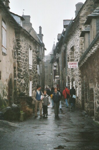 narrow old-fashioned streets in Salers