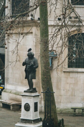Samuel Johnson with pigeons pooping on his head